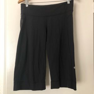 Lululemon Black Cropped Leggings Size 8